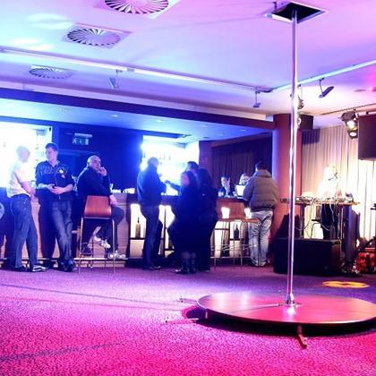 Singles Party v Novem Lounge Klubu 300!